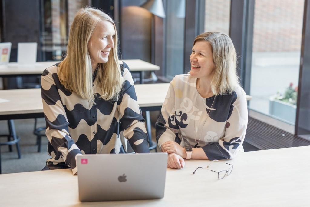 Taskmillin perustajat: Jutta Glad ja Elina Kervinen